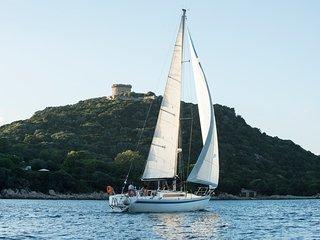 Profitez d'un voilier avec un skipper sympa pour un séjour itinérant en Corse