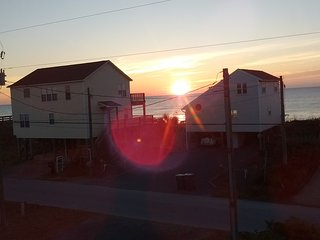 ocean view  top two floors, 2nd row 6 bedroom/ 4 bath  beach cottage sleeps 16