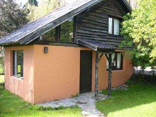 simpática cabaña en Bariloche jardín propio a una cuadra del lago y del super