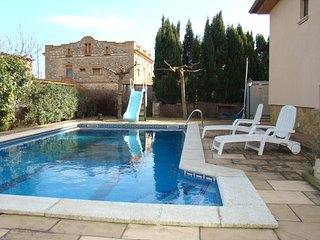 Casa soleada con piscina privada cerca L'Escala, Viladamat