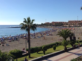 Super Beach front line Playa de las Vistas SUN & Relax  WIFI pool