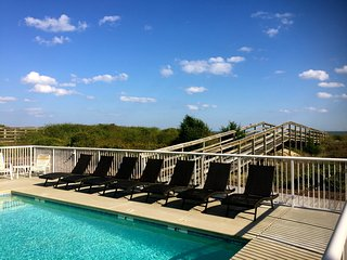 Beautiful Oceanfront 3 bedroom Condo with Pool, Isle of Palms