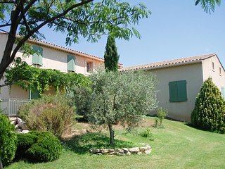 Belle et grande villa aux portes du Luberon et cœur du pays d'Aigues