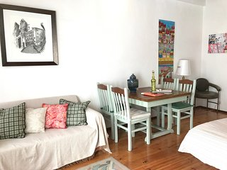 Apartment with 3 bedrooms in the center of Alfama with a small balcony, Lisboa