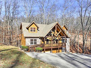 NEW! 6BR Branson Cabin - In the Heart of Branson!