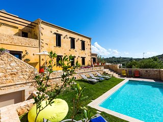 Erondas Villas near Rethymno with full privacy, stunning view and 2 heated pools