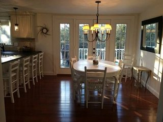 Charming Beach House - Beautifully Updated & Immaculate. Walk to Nantucket Sound, South Chatham