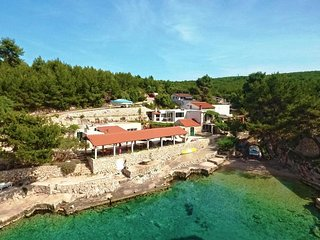 Apartment by the sea, Hvar bay