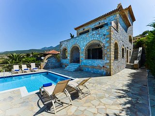 Luxury Villa Nefeli in Stoupa, Private Pool, BBQ and unique, panoramic sea view