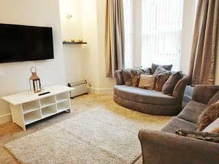 Cosy & Modern Elmbank House just 10mins to Centre!, Liverpool