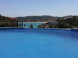 Villa Bela Vista Do Mar Feradurra. Villa de luxo para até 10 pessoas.