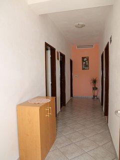 A2(4+1): hallway