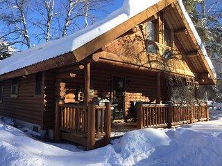 Beautiful Remodeled Cabin near Glacier National Park