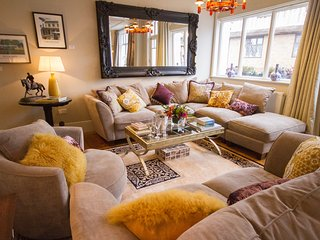 A comfortable open plan sitting room