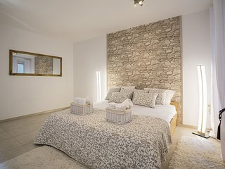 Enjoy staying in the Diocletian Palace (BRAND NEW) 8pax