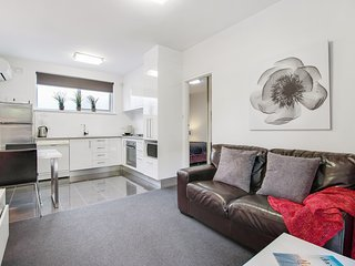 1BR Deluxe Apartment - Sussex St, North Adelaide - 12, Adelaida