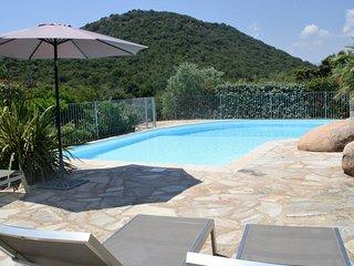 villa de grand standing près de santa giulia avec piscine privée chauffée