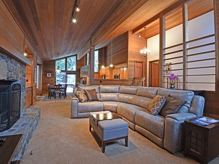 Spacious Tahoe Retreat in Dollar Point, Tahoe City