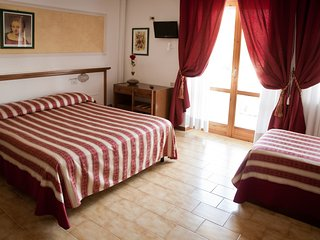 B&B Hotel Vignola Deluxe Triple Room