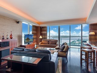 Gorgeous 2 Bdrm Oceanview at the Ritz Carlton By Hotel Condo Pro, Bal Harbour