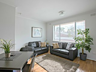 2 BR Apartment - Childers St, North Adelaide - 1, Adelaida