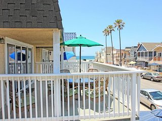 Steps to the Sand - Patio and Balcony - Walk to Shops, Restaurants, and Pier!