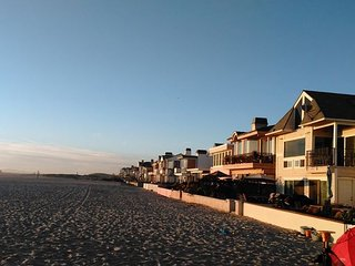 Oceanfront Home- Balcony and Large Beach Front Patio! Monthly Rental (68102), Newport Beach