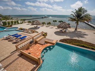 AMAZING BEACHFRONT VIEWS & BREEZES! 3BR/2BA  - Hol Chan Reef Resort - 3rd floor