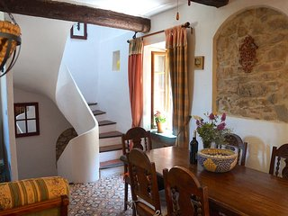 Romantic Medieval Village House (La Belle Ancienne), Saint-Chinian