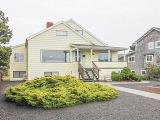 4 Bedroom Oceanfront Home on the Prom
