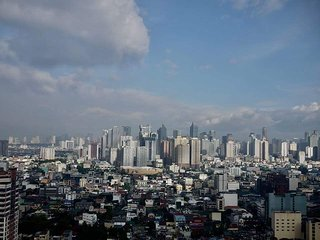 2 Bedroom with Makati Skyline with Fibr Connection