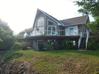 Big Rideau Lakehouse Retreat