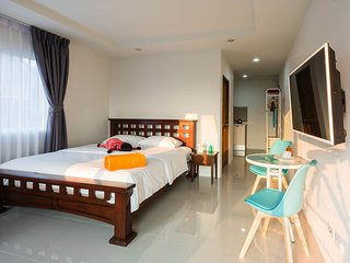 Beach 7 Sea View Studio With Kitchen, Jomtien Beach