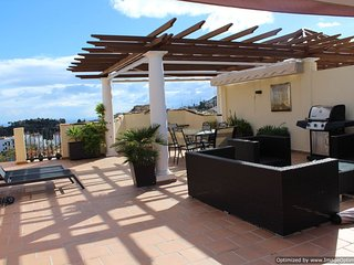 Ultra Modern 2 Bed Penthouse Apartment, Los Arqueros Benahavis R119