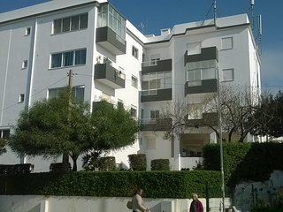 Central Alvor 2 bedroom apartment, recently refurbished