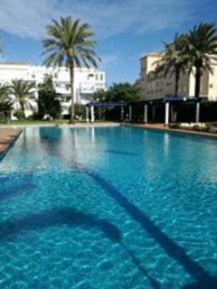 Apartment with 2 rooms in denia, with pool access, enclosed garden and WiFi, Alicante
