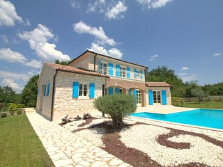Beautiful Stone Villa Dea with private pool