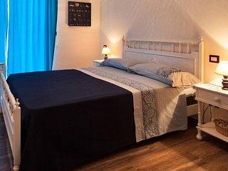 B&B Casa Rossella- Camera Matrimoniale con bagno in comune