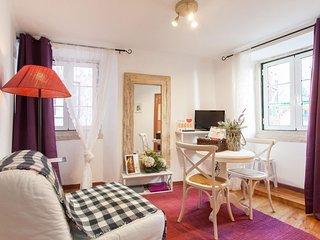 Cozy Alfama apartment in Alfama with WiFi.
