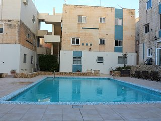 3 Bedroom Maisonette with Communal Pool Qawra, San Pawl il-Baħar (St. Paul's Bay)