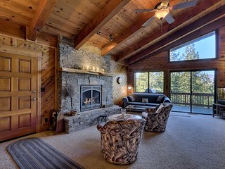 Deluxe Tahoe Chalet in Quiet Neighborhood with Private Hot Tub and Downstairs Secondary Suite (MY67), South Lake Tahoe