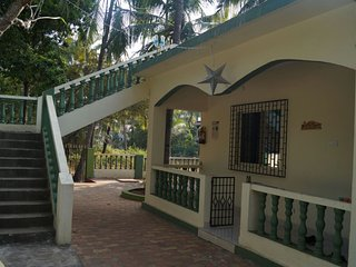 GUEST HOUSE / HOME STAY in the heart of Goa., Candolim