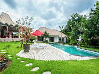 Luxury private 4BR villa canggu
