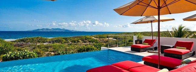 Villa Tequila Sunrise 3 Bedroom SPECIAL OFFER, Sandy Hill Bay