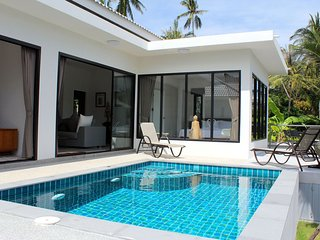 3BR Villa Tan - 15 minutes walk to beach, Mae Nam