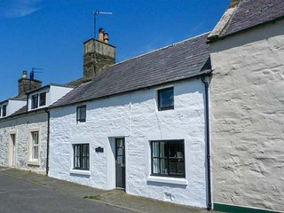 10 MAIN STREET, open fire, spiral staircase, lawned garden, countryside views, Whithorn, Ref 925172