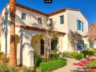 Luxurious 3BD/3.5 BA Stunning Spanish Townhome