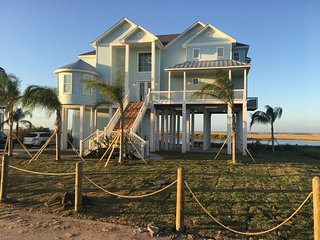 New Waterfront, Beatiful Views of Bay, 5 Bedroom - All Suites!, Galveston
