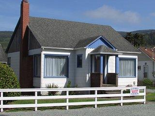 Breaker Avenue Beach House, Rockaway Beach