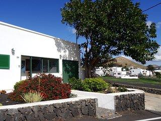 House Casa del Arbol in La Asomada, Tías